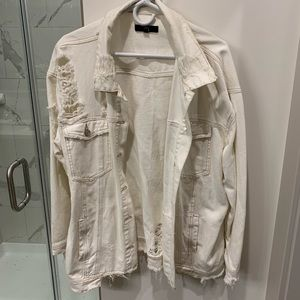 NWOT Missguided White Destroyed Denim Jacket ✨